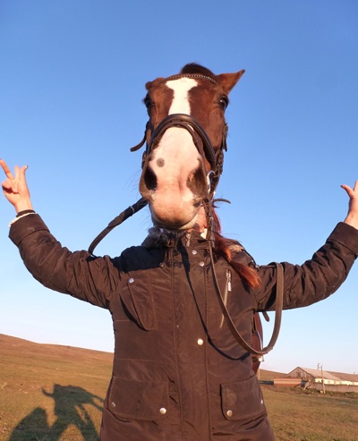 Удовик_конь в пальто_1